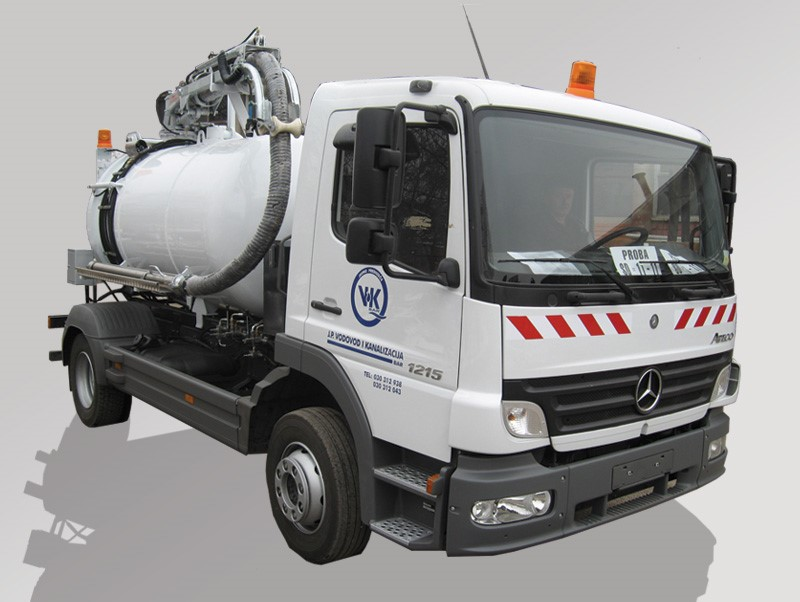 Sewers - gutter cleaning vehicle
